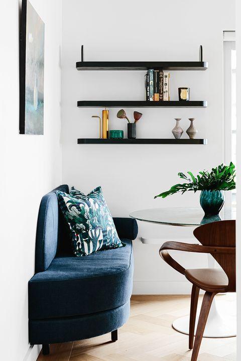Single shelves & standing shelves for living rooms